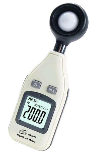 GM1010 люксметр, один из недорогих приборов для измерения уровня освещенности